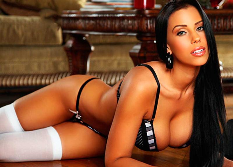 Bianca Holland Nude 74